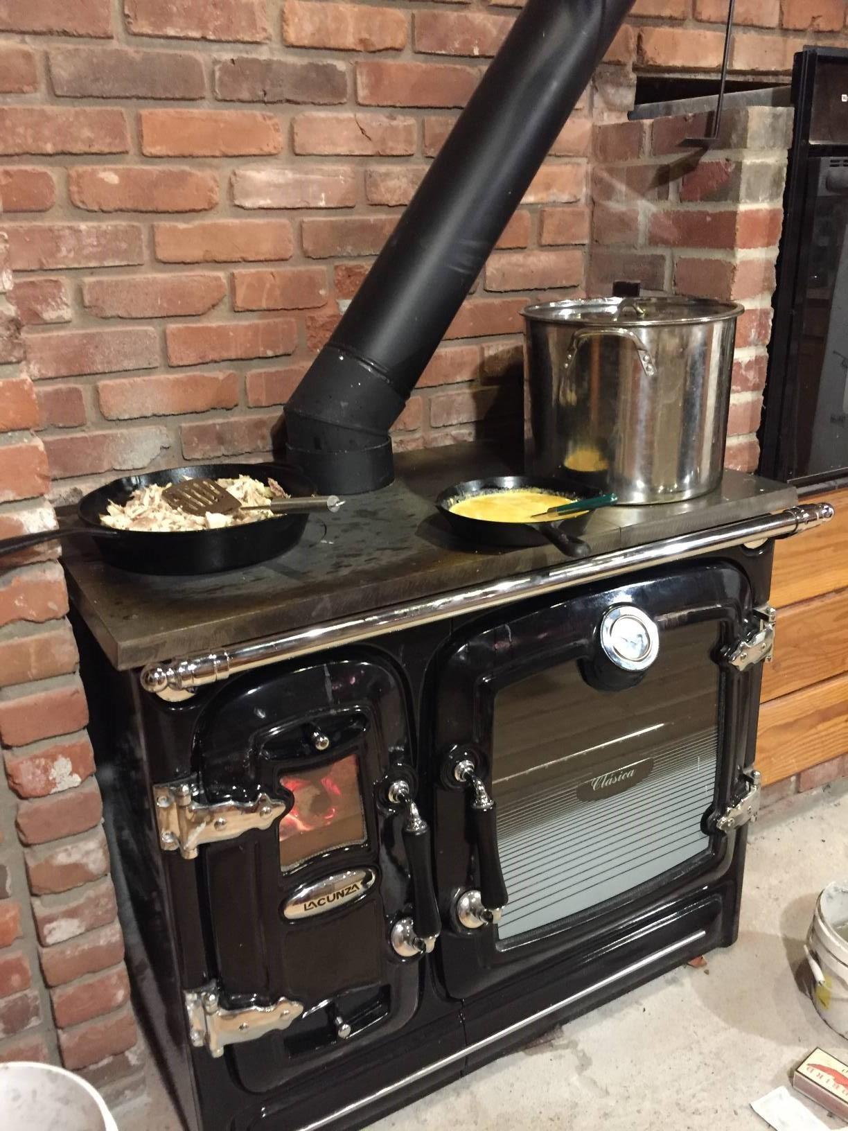 """Fabricant Poele A Bois Espagne cuisinière au bois en fonte """"clasica"""" par lacunza"""